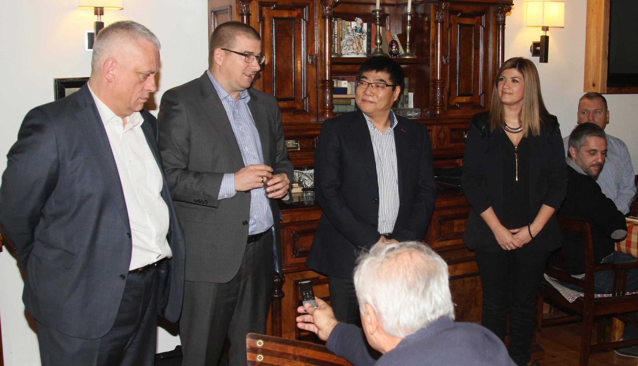 Generalni direktor Siemensa u Srbiji, Udo Ajhlinger, sa saradnicima.