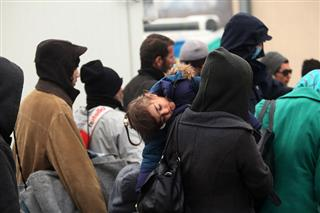 Izbeglice čekaju ulazak u zemlju snova. Fotografija preuzeta sa sajta: tanjug.rs