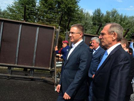 Stefanović i Pinter na ponovnom otvaranju graničkon prelaza Horgoš 1, 2015.godine.