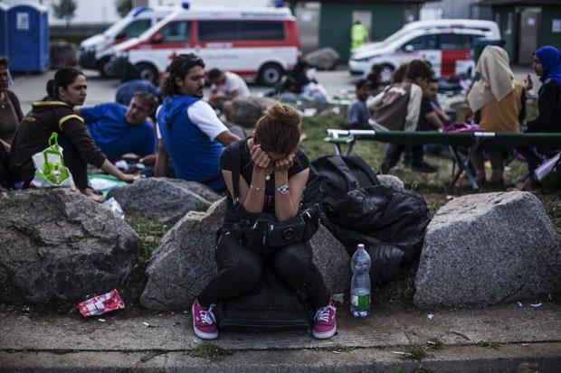 Migranti čekaju da pređu granicu. Fotografija:gradsubotica.co.rs