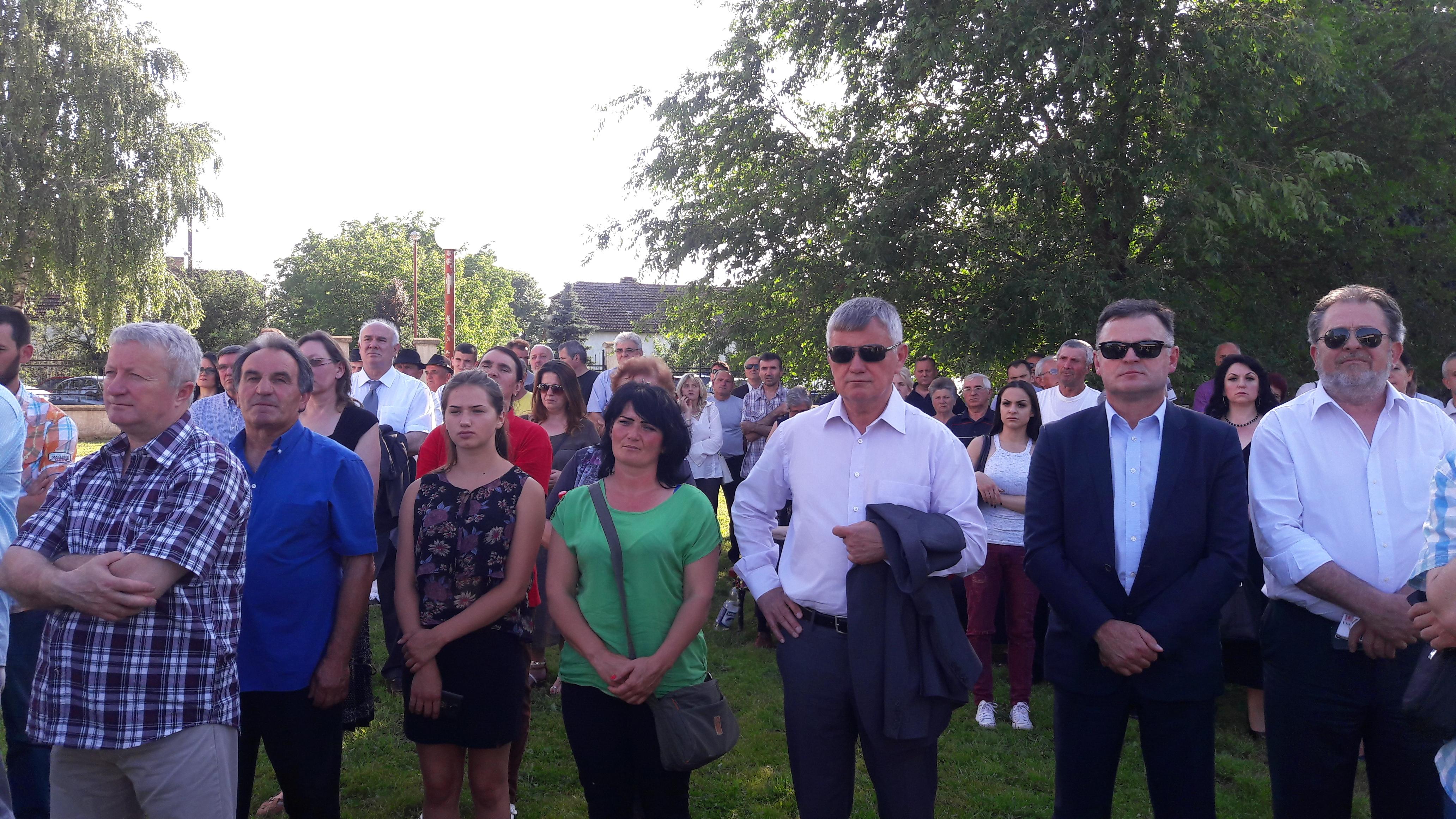 Privrednici i građani koji su došli na razgovor sa predsednikom Republike Srpske.