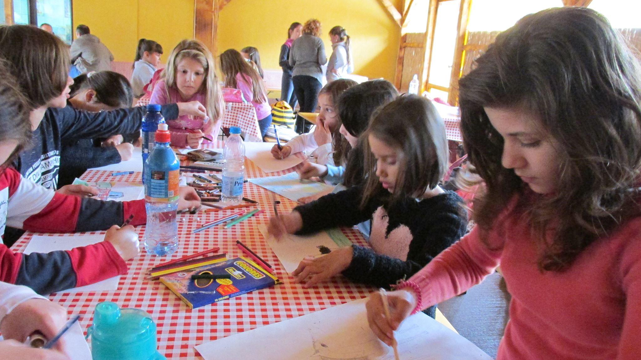 Na likovnoj radionici deca su crtala na temu farme, zdravog načina života i zdrave hrane