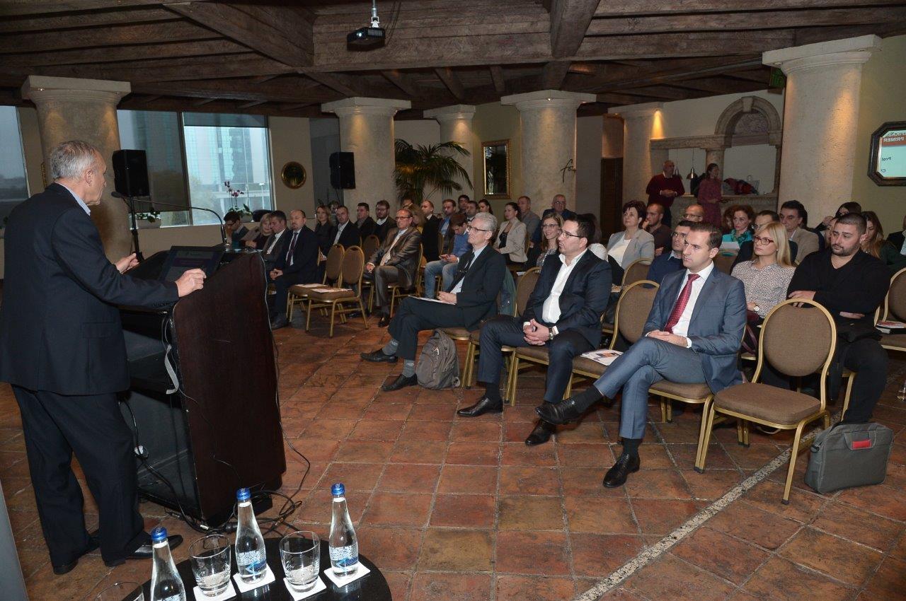 Prof dr Goran Jankes iz Centra za energetsku efikasnost i održivi razvoj CEEFOR govorio je praktičnoj primeni energetski efikasnih rešenja u Republici Srbiji.
