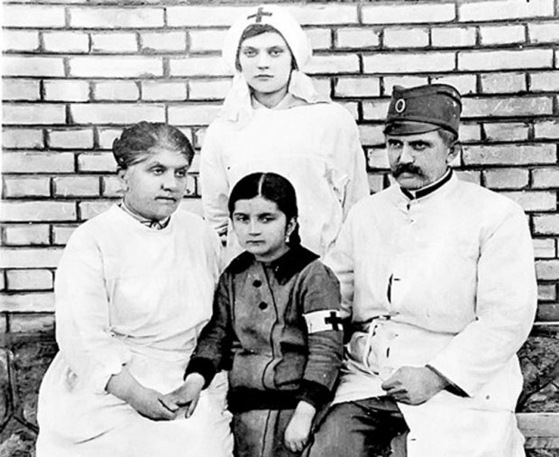 Dr Marija Prita u Devetoj rezervnoj bolnici u Nišu, 3. januara 1915. godine; Istorijski arhiv Pančevo